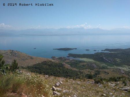 Skadarské jezero, rozloha 370km2, největší jezero na Balkáně
