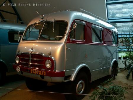 Tatra 805 vyrobená pro cestu Ing. Hanzelky a Zikmunda do Asie