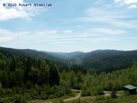 Výhled od Josefova Dolu směrem ke stejnojmenné obci
