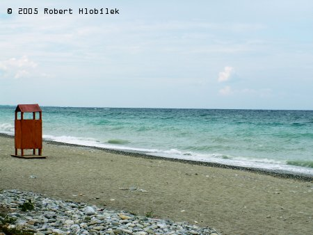Pláž s boudou na převlékání