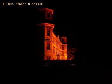 Holešovský zámek v noci