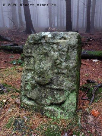 Hraniční kameny v okolí Tesáku