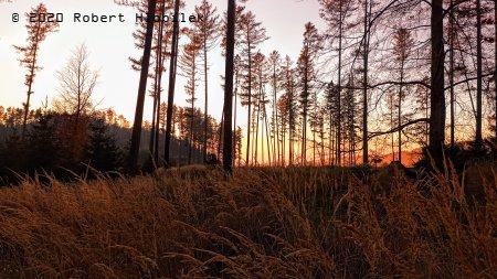 Chvíli před západem slunce pod vrcholem Javorčí