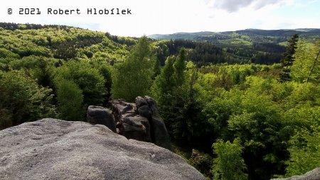 Hostýnské vrchy z Čertových skal nad Hošťálkovou