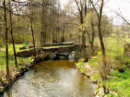 Starodávný kamenný most z r. 1714