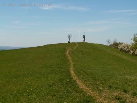 Křížek na vrcholu Svinec