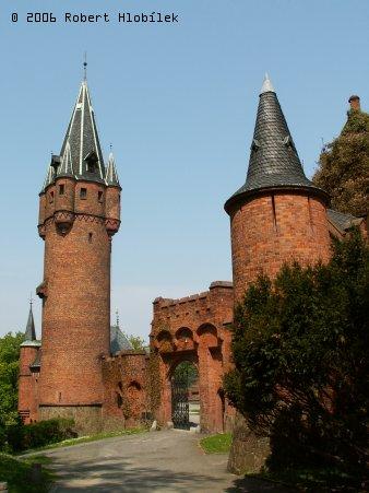 Věže Červeného zámku